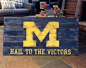 Michigan Wolverines 3D Flag Wood Wall Art 36'' x 21''