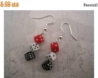 SHOP4FUN Dice Drop Casino Earrings Red White