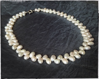 White PEARL NECKLACE, FRESHWATER pearl necklace, romantic wedding, bridal pearl necklace, vintage pearl necklace, leaf pattern