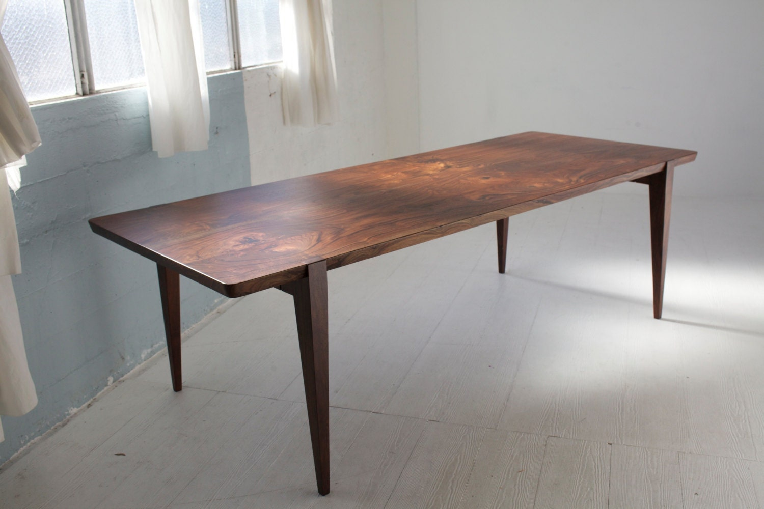 96 oregon walnut oslo dining table