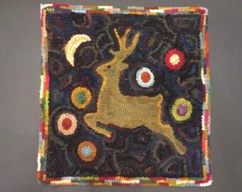 "folk art reindeer hand hooked rug 15.5""x16"" juliemayfieldhome"