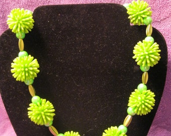 SPIKY BALL NECKLACE-Lime Green