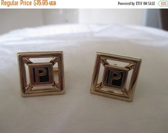 50% OFF SWANK letter P cuff links gold excellent condition
