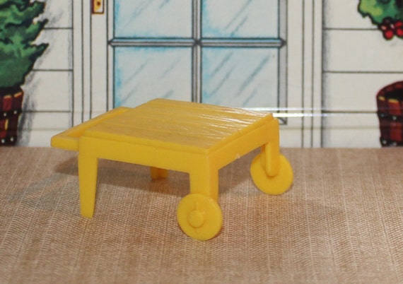 Marx Old Hard Plastic Dollhouse Yellow Patio Cart Half Scale