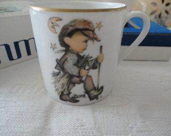Schmid 1977 Child's Cup Porcelain Gold Gild Trim Moonlight Return By Sister Berta Hummel Original Box