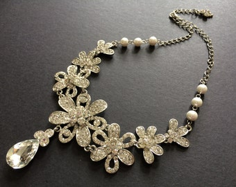 Romantic Flowers and Pearls Wedding Jewelry Rhinestone Crystals Bridal Necklace