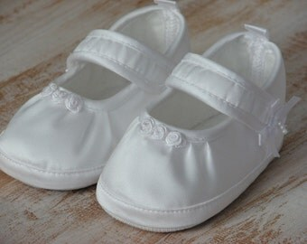 Baby ballet shoes Baptism shoes White girl shoes Baby gril shoes Handmade baby shoes Baptism baby shoes Newborn baby shoes Christening shoes