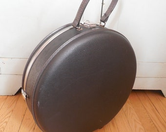 Vintage American Tourister Tri Taper Round Clam Suitcase