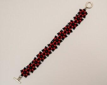 Flower beads bracelet in red