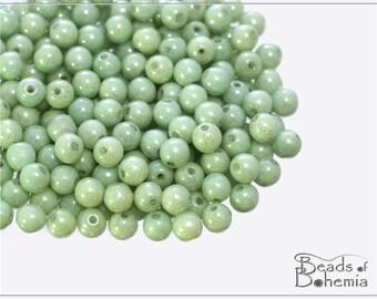 100 pcs Chalk Pastel Green Luster Czech Glass Round Beads 4 mm (10288)