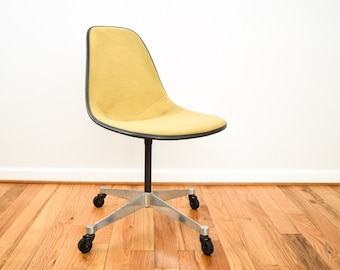 Eames chair, shell chair, fiberglass chair, authentic mid century modern Eames Herman Miller upholstered fiberglass swivel chair, vintage