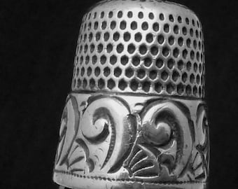 Antique Sterling Silver Size 9 Thimble Ornate Fancy Border 22546