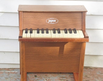 Jaymar, Toy Piano, Musical Instrument, Piano, Childrens Toys, Music Decor, Music Instruments, Antique Piano, Vintage Toys, Piano Gifts