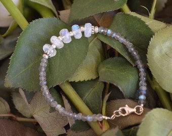 Moonstone layer Bracelet with Labradorite