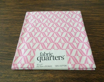 "Pretty pink print fabric quarter, 100% cotton, 18"" x 21"", for quilting and sewing, needlecrafts"