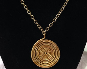 Gold aluminum wire pendant, jewelry, gold, spiral pendant, necklace.