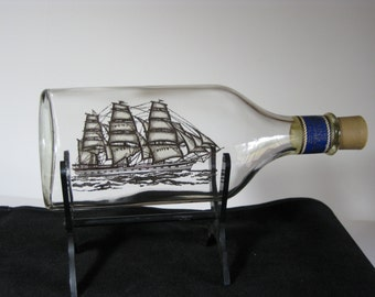 """Vintage Avon """"Captains Pride"""" aftershave ship on a bottle with display stand"""