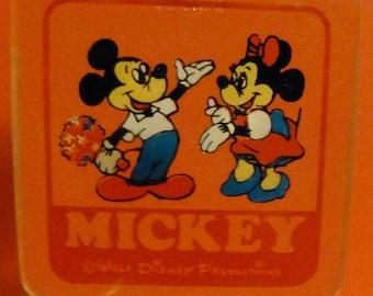 Walt Disney Mickey And Minnie Mouse Keychain