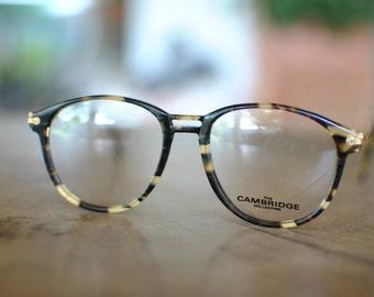 Vintage THE CAMBRIDGE COLLECTION men's glasses , vintage frames ....
