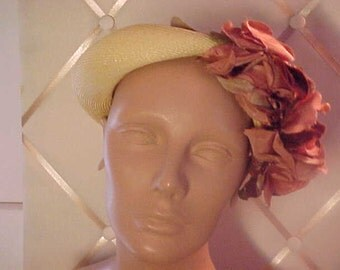"Vintage  1950s Yellow Straw Hat with Rose Pinkis Floewers. :abe""Knickerbocker Fashion  Center,   971"