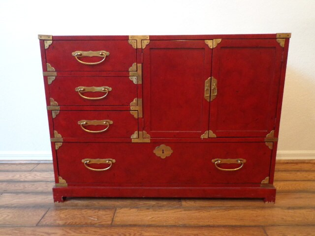 Vintage century furniture asian inspired chinoiserie for Asian console cabinet