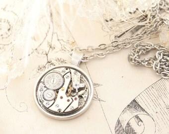 Steampunk Statement Necklace Watch Movement Pendant Necklace Vintage Clockwork Pendant Necklace Steampunk Jewellery Silver Timepiece Pendant