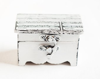 Vintage Style Ring Bearer Wedding Box With Music Sheet - White, Wooden, Shabby Chic, Wedding Decor