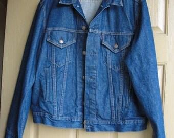 Vintage 60s 70s levis denim jean jacket size large mens 1980s 1990s L four pocket trucker dark wash 46 XL