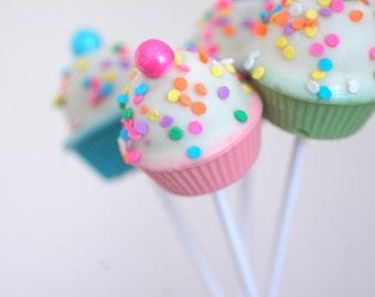 Cake Pops - Cupcake Cake Pop - Edible Favor - Edible Shower Favor - Edible Wedding Favor - Edible Gift - Confetti Cake Pop - Birthday Favor