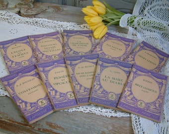 Set of 10 french vintage classics books with pretty lavender paper covers. Purple paper cover books. French shabby decor Jeanne d'Arc living