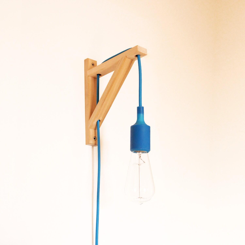 leuchte lampe wandhalterung aus holz schnitzen peq. Black Bedroom Furniture Sets. Home Design Ideas