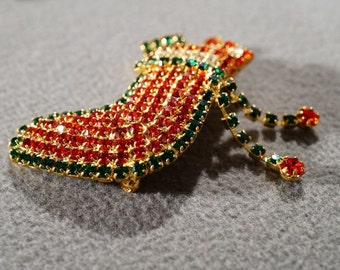 Vintage Yellow Gold Tone Multi Round Ruby Red Emerald Green Rhinestone Fancy Christmas Stocking Package Dangle Pin Brooch #143 **RL