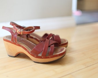 vintage red leather cutout wood platform wedge sandals womens 6 *