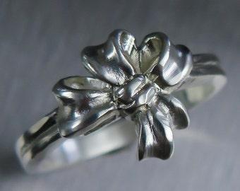 Engagement wedding ribbon ring availible in 925 silver, yellow white rose red gold 9ct 14k 18k 375, 575, 750 Platinum, Palladium All sizes