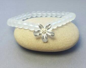 Sterling silver flower bracelet /White quartz bead bracelet / Matte quartz beads / Stacking bracelet / boho bridesmaid gifts