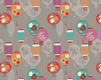 Minshan A120-2 Lanterns on light grey Lewis & Irene Patchwork Quilting Fabric