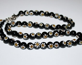 Beads millefiori glass 8 mm black.