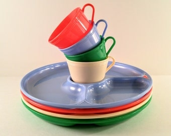 Vintage Picnic Dishes. Set of 8 Blue, Red, White and Green Divided Plastic Plates and Cups. Mid Century Camping Supplies. Child's Dishes.