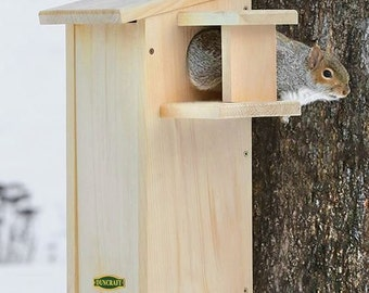 Duncraft Squirrel House with Predator Guard