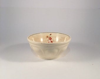Vintage 1940's Universal Potteries Small Mixing Bowl