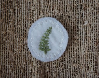 Hand embroidered fern leaf patch (white)
