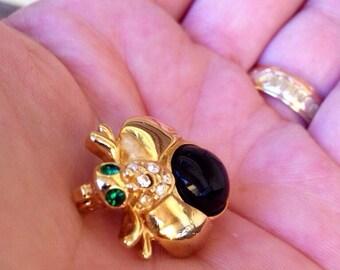 Vintage Black stone green eyed bug brooch - Gorgeous Vintage Accessory
