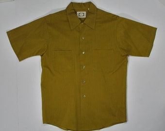 Vintage 50s 60s Shirt olive green brown S/M Permanent Press short sleeve VIP summer warm weather mens medium pocket