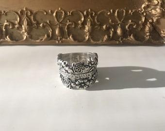 ℂℛᎾᏇℕ Ꮎℱ ℛᎾЅℰЅ Sterling Silver Ring