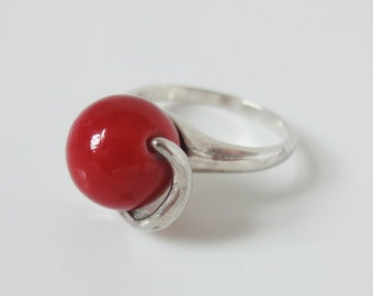 Artisan Ring - Sterling Silver Ring size 7.5 - Red ball ring - Red wood Ring size 7 - Small silver ring - handmade ring - Red silver ring