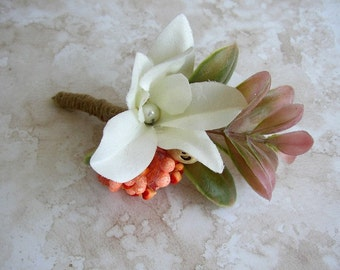 Ivory Rustic Boutonniere, Succulent Boutonniere, Groom Corsage Lapel Pin, Rustic Fall Wedding, Woodland Wedding, Groomsmen Brooch Boutineer