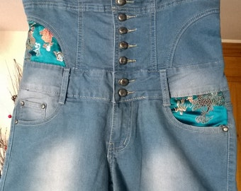 High waist fitted denim shorts with chinese fabric detail and lace up back