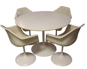 Mid Century Modern Burke Tulip Dining Table & Four Armchairs Knoll Saarinen Era