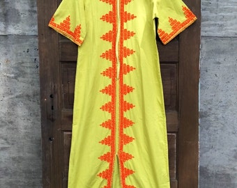 Vintage 70's Yellow Embroidered Caftan Maxi Dress Size Medium