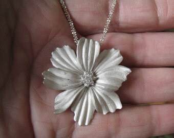 "Sterling Silver Textured Heavy Flower Petal Pendant Necklace 17"" (1100)"